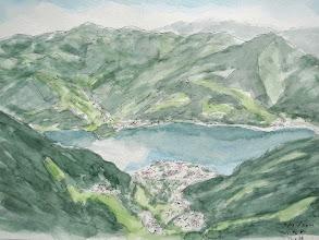 Photo: ツェルアムゼー3 ツェルアムゼーノの町はずれのゴンドラで1965mの山頂駅に行くと360度の視界が開け、3,000m級の豪快な山並みが望める。眼下にはツェル湖や町並みが見下ろせる。しばらくハイキングした後スケッチを楽しむ。