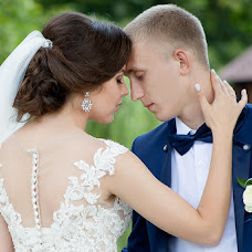 Wedding photographer Ekaterina Tolstyakova (Katrin694). Photo of 14.08.2017