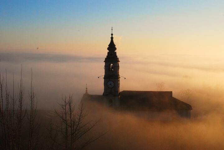 Nebbia anomala di estela