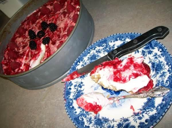 No Bake.creamy White Chocolate, Raspberry Cheesecake