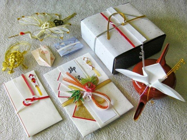 Image result for quà tặng Nhật Bản
