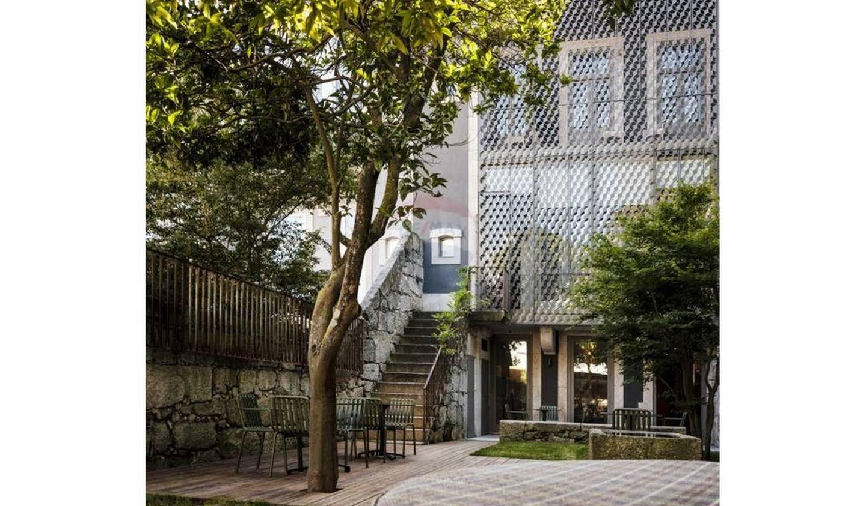 Hôtel particulier classé monument historique et jardin Porto