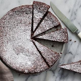 Torta Caprese (Chocolate and Almond Flourless Cake).