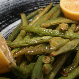 Lemon, Garlic, and White Balsamic Roasted Green Beans