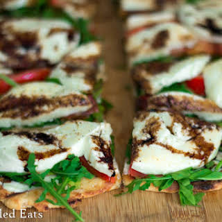 Fresh Mozzarella & Arugula Grilled Pizza – Low Carb & Grain Free.