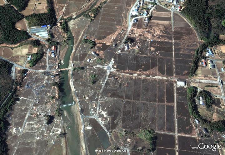 Séisme Japon - Page 3 Fukushima%203%20km%20south%20of%20power%20plant%20after