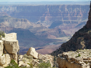 Photo: au fond, un méandre du Colorado