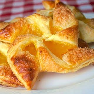 Easy Lemon Pinwheel Danish – using frozen puff pastry.