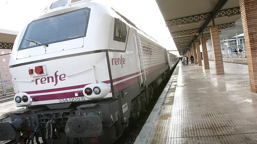 Tren Talgo que cubre el trayecto entre Almería y Madrid.