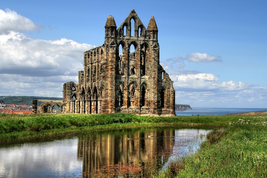 Whitby Abbey by Jon Sellers - Buildings & Architecture Public & Historical