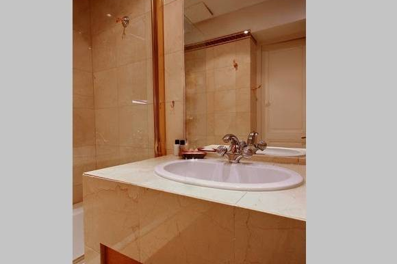 Bathroom - 3 bed apartment