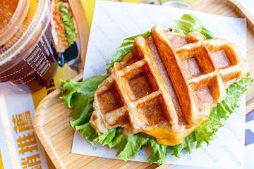 Q burger 蘆洲信義店