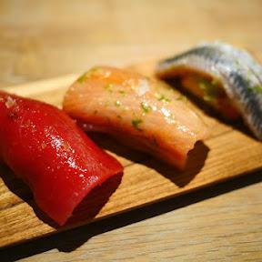 【魅惑グルメ】寿司が食べられるパン屋さんの寿司が絶品すぎる件 / 寿司を握るベーカリー15℃