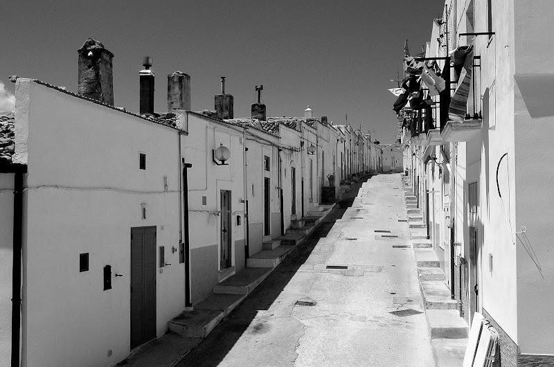 Una strada di Monte Sant'Angelo di benny48