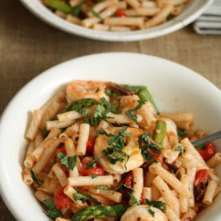 Spicy Shrimp Pasta Salad with Asparagus and Sundried Tomatoes.