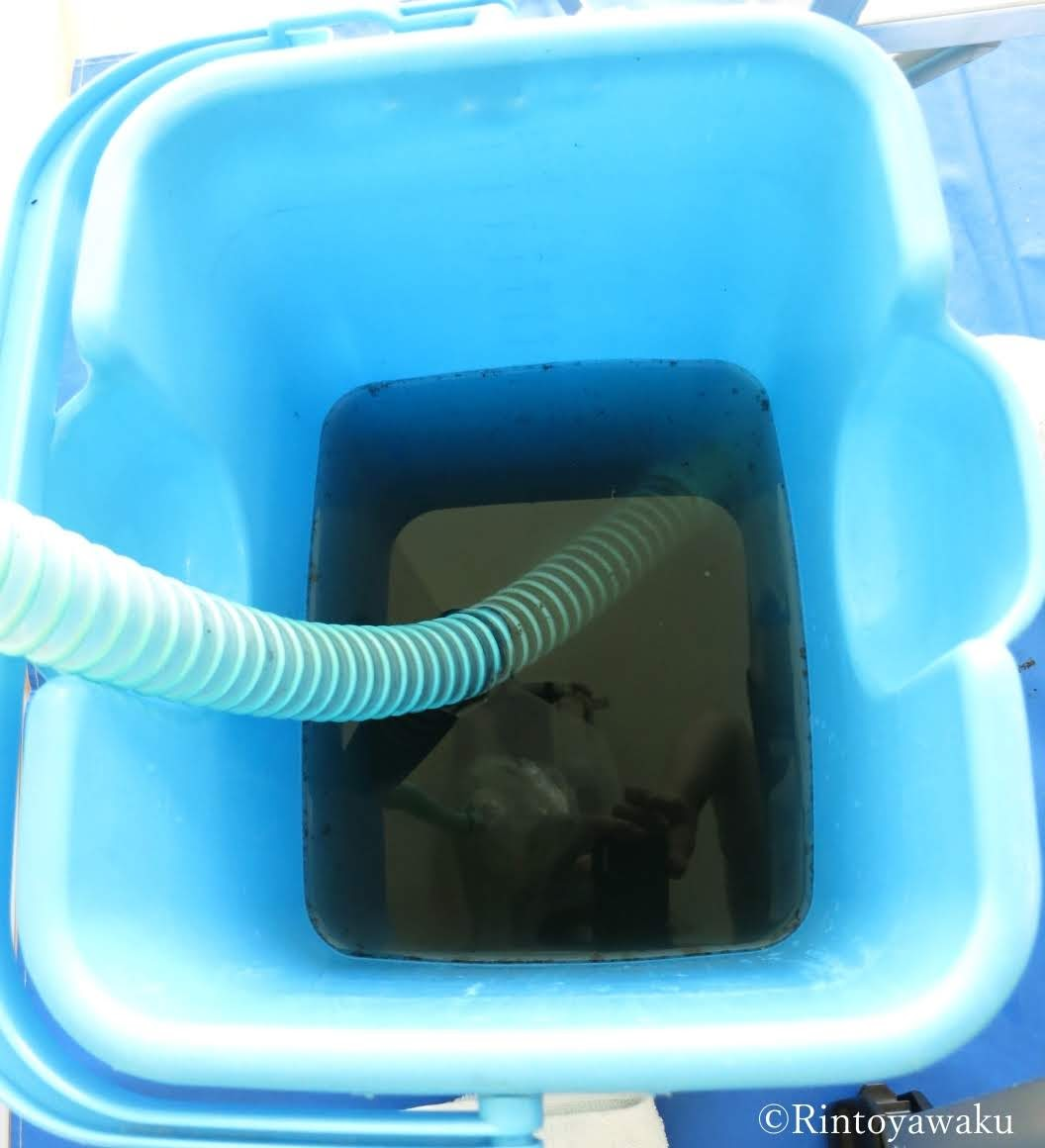 エアコンクリーニングで出てきた汚れた水