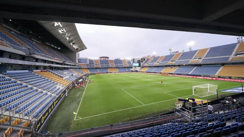El Estadio de Cádiz cambiará de nombre.
