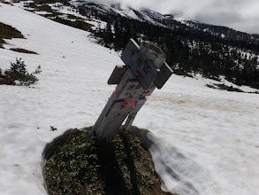 避難小屋分岐標識(雪が少ない)