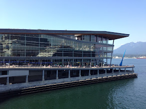 Photo: Vancouver Convention & Exhibition Centre DA Architects + Planners, Musson Cattell Mackey Partnership, LMN Architects, Glotman Simpson Consulting Engineers, PWL Partnership landscape design 2009