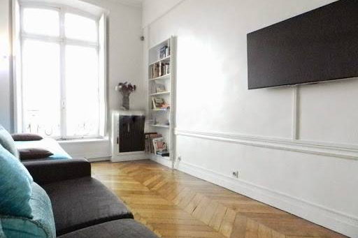 Spacious living room at 2 Bedroom Apartment in Latin Quarter 110 m²