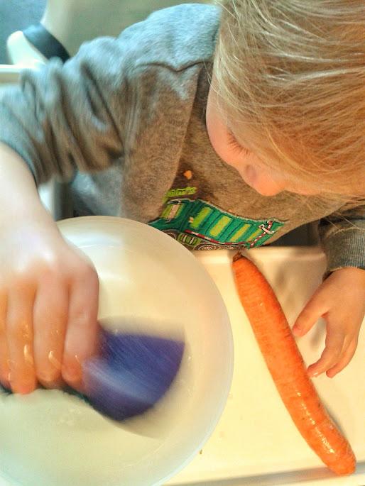 Welcome to Mommyhood: Montessori practical life