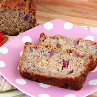 Super Easy Strawberry Bread with Rhubarb and Bananas – #TwelveLoaves Recipe