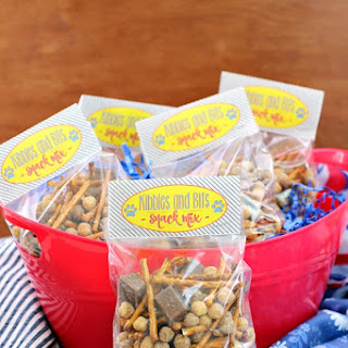 Kibbles & Bits Snack Mix