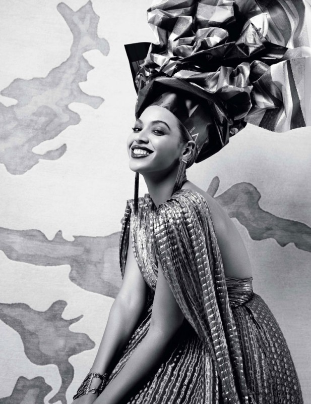 L'OFFICIEL [2011] - Page 4 Beyonce-Fashiontography-1