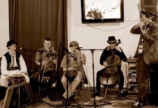 Концерти у арт-кав'ярні «Квартира 35» у березні