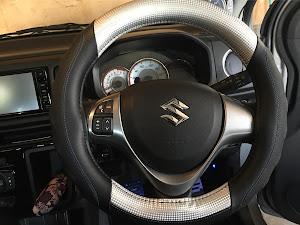 アルトワークス  HA36S 4WD MT SportWORKSのステアリングのカスタム事例画像 メガネさんの2018年04月22日10:44の投稿