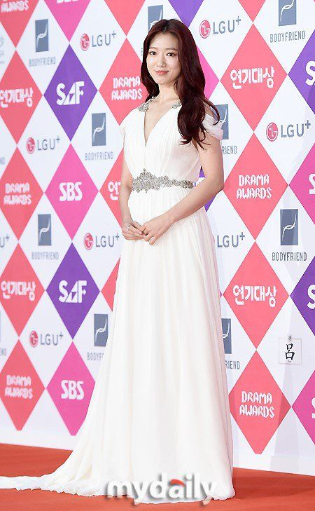 shinhye gown 23