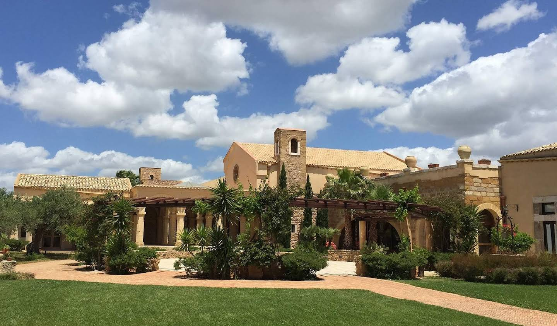 Villa avec piscine et jardin Menfi