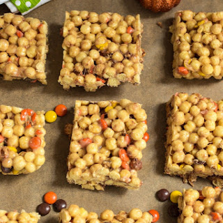 Halloween Candy Marshmallow Cereal Bars.