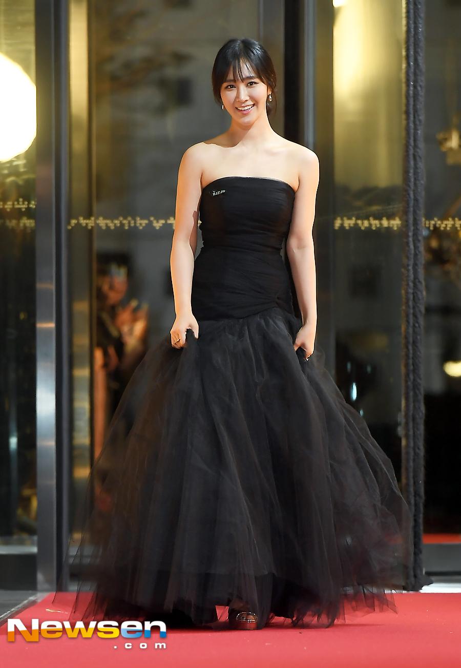 yuri gown 6