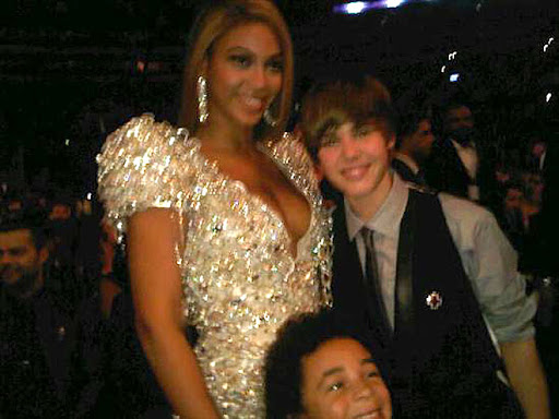 justin bieber beyonce Party posse Justin Biebers Party Pals with Kim Kardashian