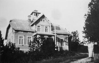 Photo: Nisulan kartanon päärakennuksen pääty 1930-luvun alkupuolella