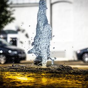 Golden fountain by Fredrik A. Kaada - City,  Street & Park  Fountains ( sharp, park, details, colorful, colors, cars, street, bokeh, light, golden, city )