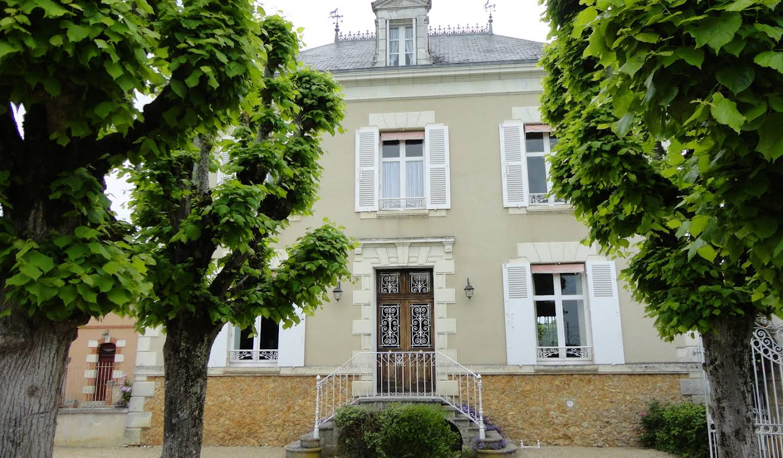 House with pool and garden Buzancais