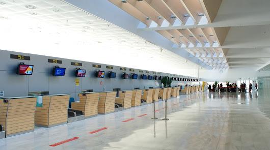 Escasa actividad comercial en el aeropuerto de Almería hasta julio