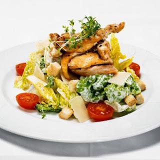 Grilled Chicken and Portobello Mushroom Salad