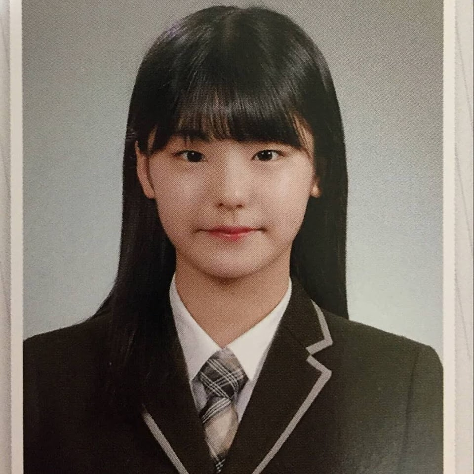 someone-edited-full-bangs-on-itzys-yeji-and-youll-want-her-to-try-out-the-look-in-real-life-stat-1