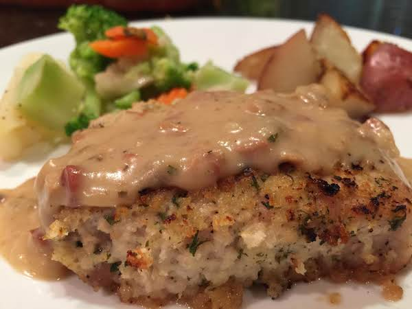 Panko Pork Chops With Creamy Gravy