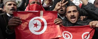Tunecinos manifestándose