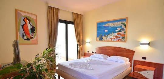 Saranda International Hotel