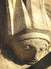 Photo: Martinskirche Neckartailfingen: Lauscherfigur rechts vom südlichen Eingang