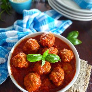 Simple Italian Meatballs and Red Sauce