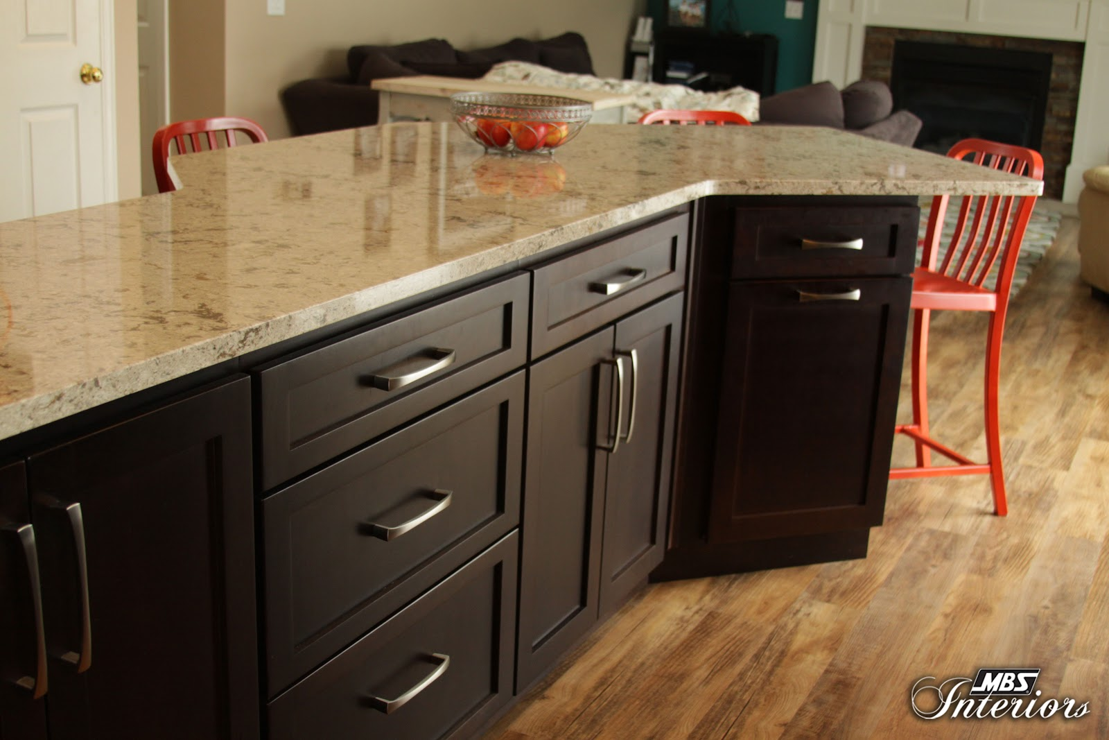 Quartz Runs A Close Second In Popularity To Granite. Plus, Quartz  Countertops Are Extremely Resilient And Resistant To Stains, Scratches,  Heat, ...
