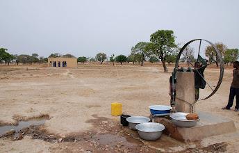 Photo: Distribution d'eau