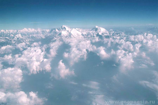 Еверест (Джомолунгма) вид с самолета