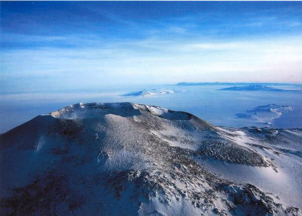 Мирно спящие кратеры вулкана Эребус